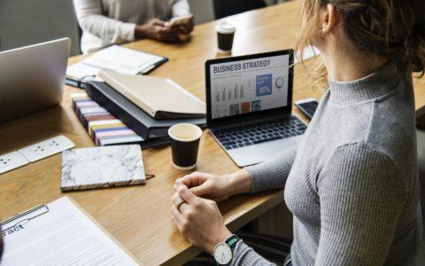 Hinweispflicht des Finanzamtes beim Wegfall der Besteuerung nach Durchschnittssätzen
